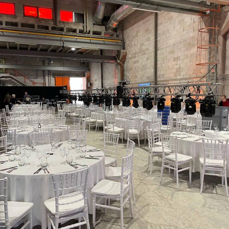bauroc tehas, chiavari toolid, gala lauad