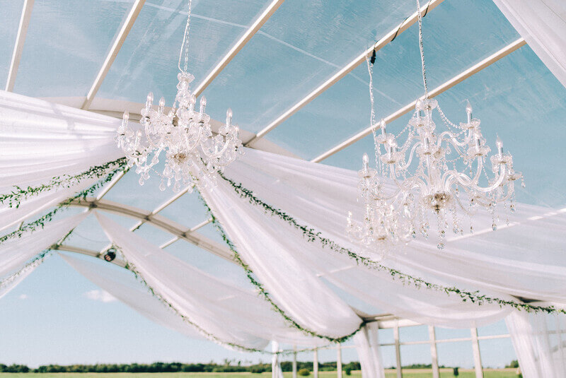 läbipaistev katus, kaartelgi rent, telkide rent, dekoratsioonid, lühtrid